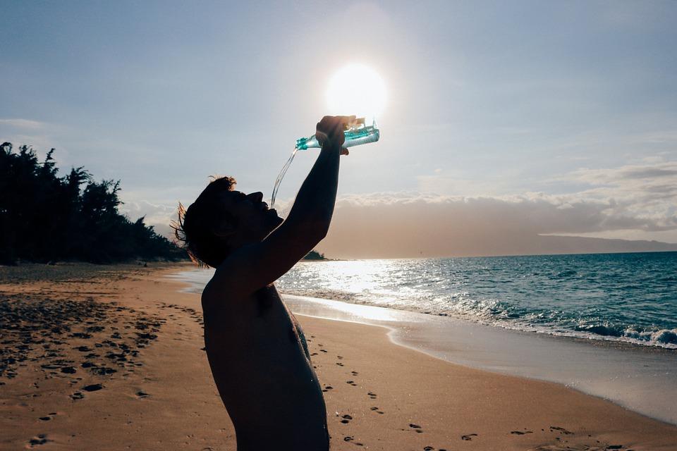 Quel est le bon moment pour boire de l'eau quotidiennement?